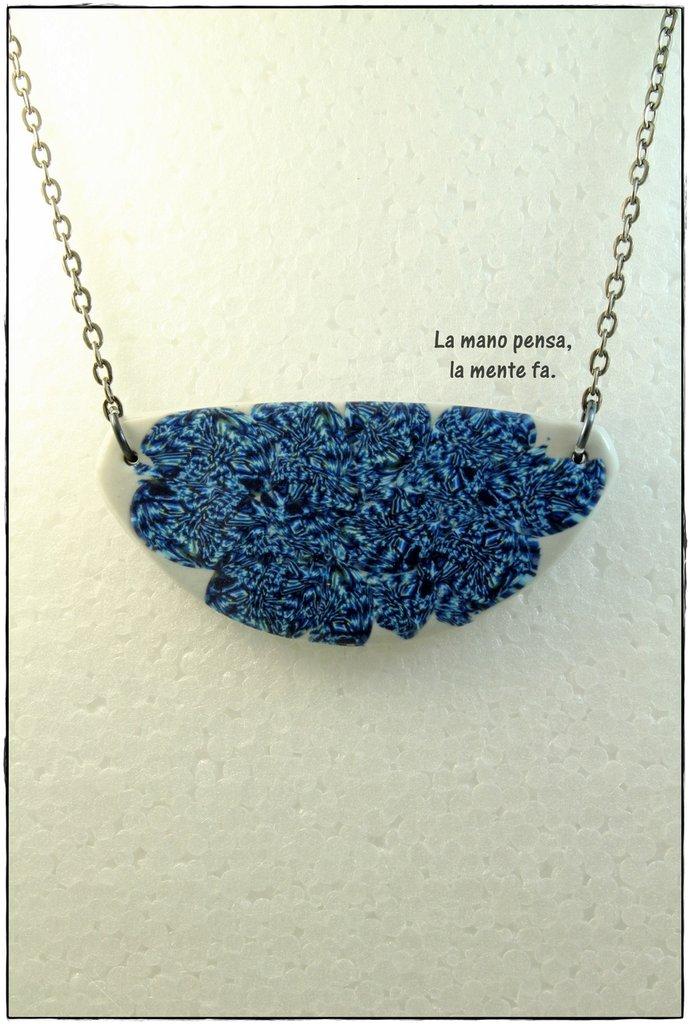 Collana in pasta polimerica fatta a mano - Fantasia di Blu