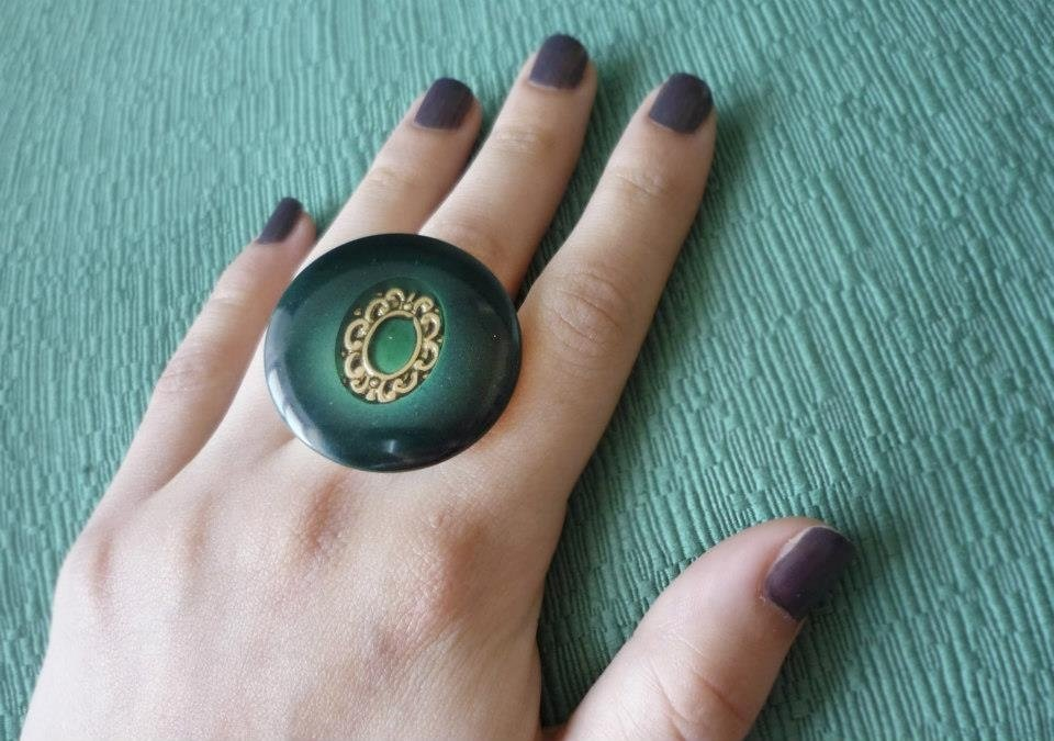 "Anello con bottone vintage ""Cameo"" verde"