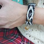 bracciale in passamaneria borchie con cuore e charms