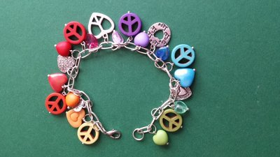 "Bracciale charms ""peace & love"" arcobaleno"