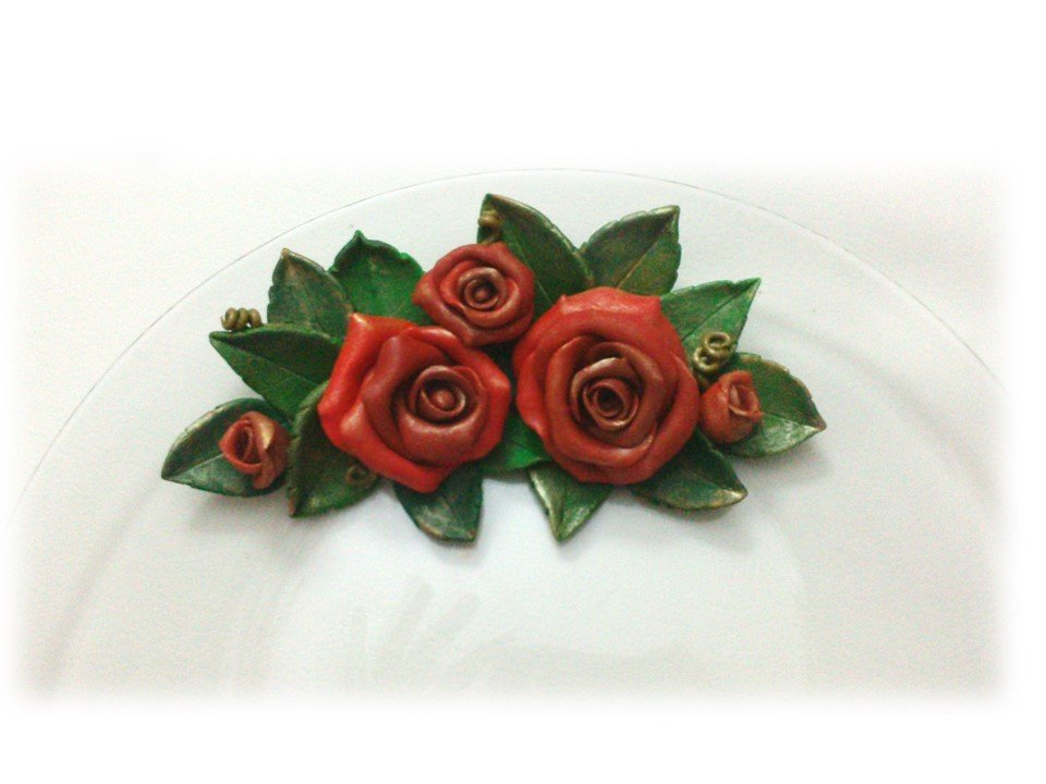 Piatto centrotavola rose rosse bomboniera regalo Matrimonio