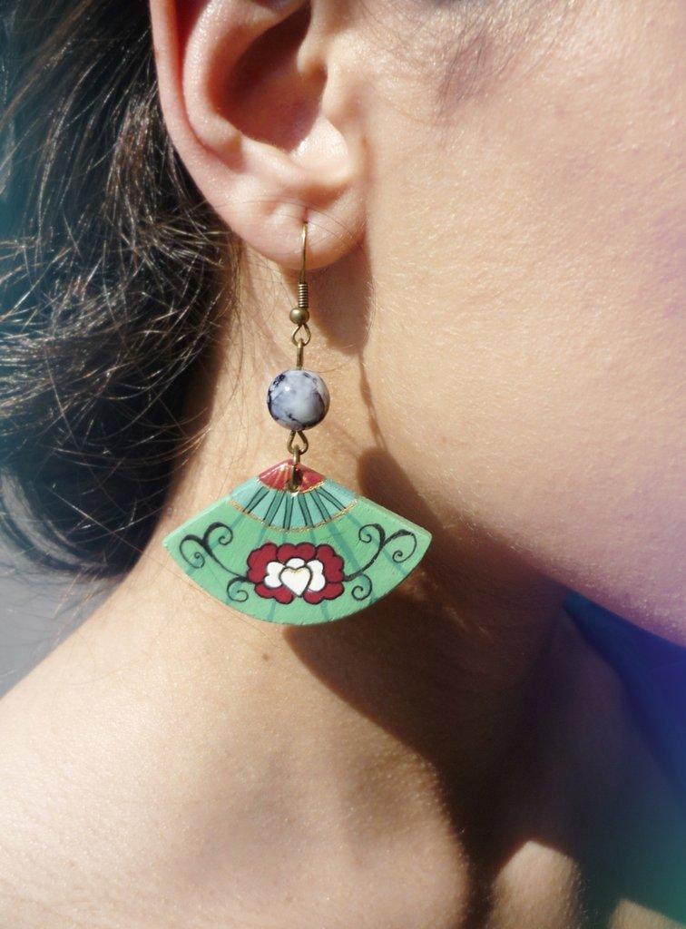 orecchini pendenti in legno con perle JAPAN