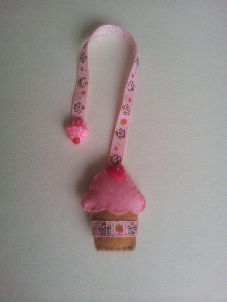 Segnalibro di panno cupcake rosa