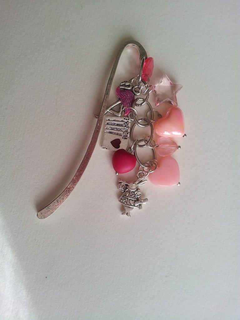 Segnalibro charms alice nel paese delle meraviglie rosa