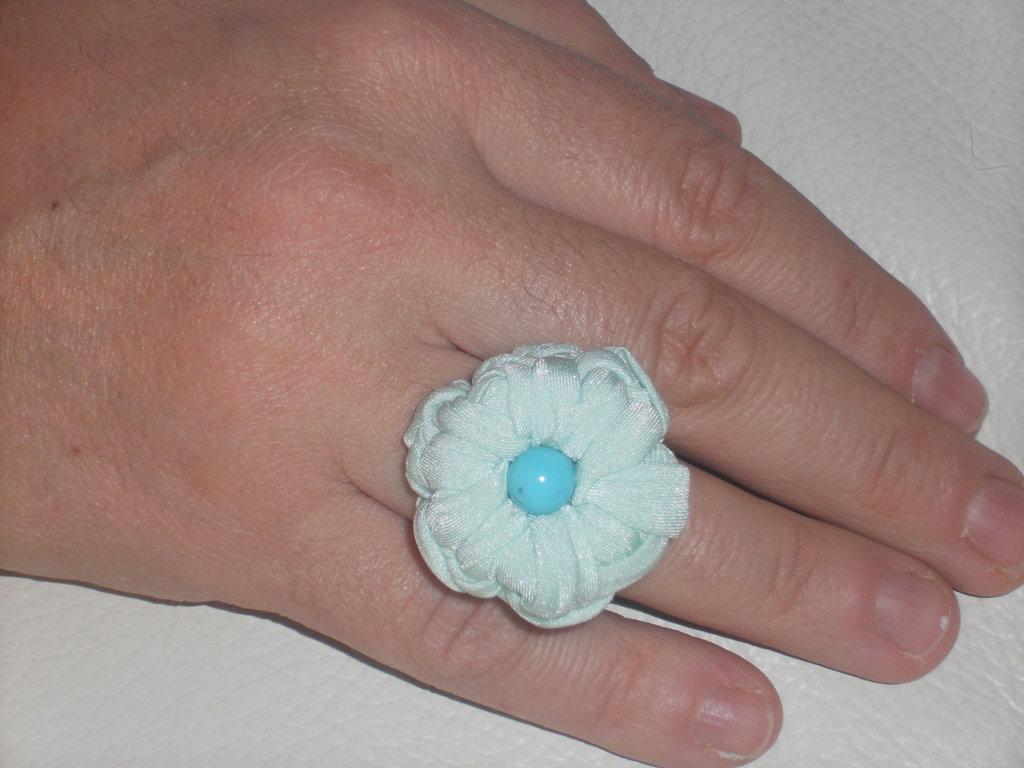 anello in fettuccia e perla