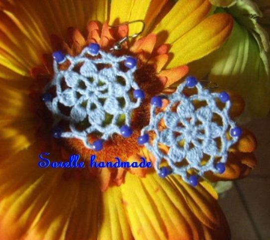 Orecchino fiore celeste