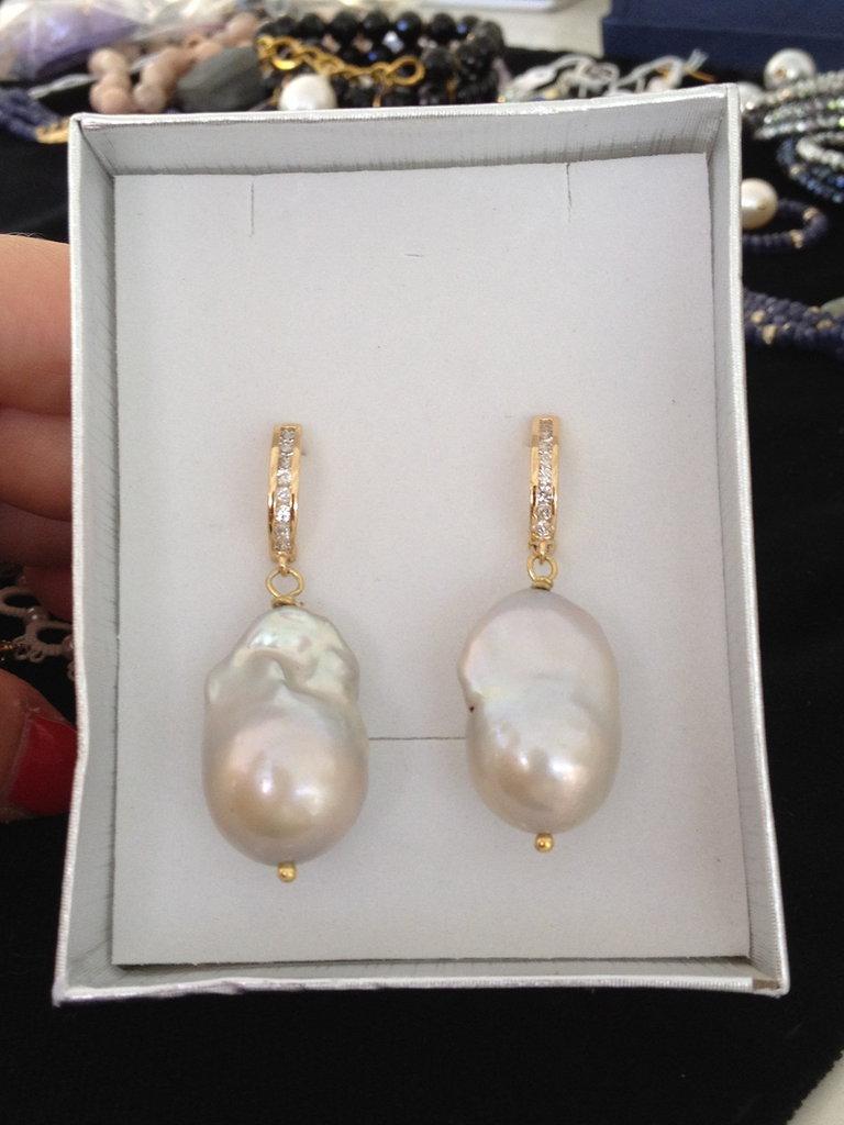 orecchini di perle scaramazze grigie con monachella argento
