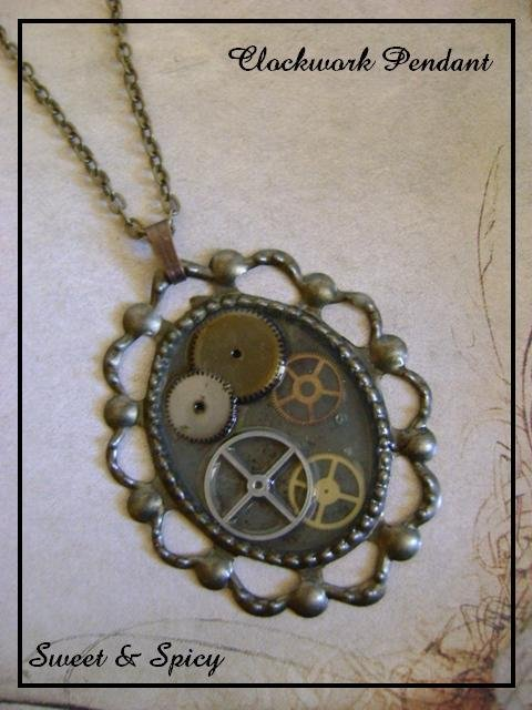 CLOCKWORK  STEAMPUNK PENDANT