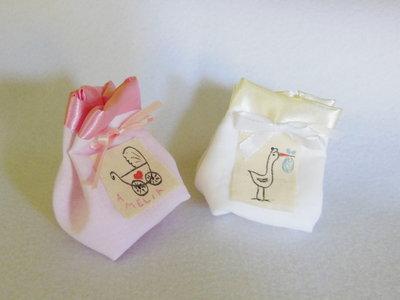 Set di 70 sacchetti portaconfetti: le bomboniere in cotone e satin per il battesimo