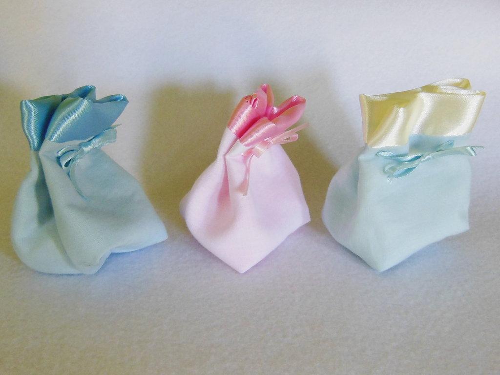 Set di 5 sacchetti per confetti in cotone e satin: le bomboniere per il battesimo, la comunione, la cresima elegante e semplice