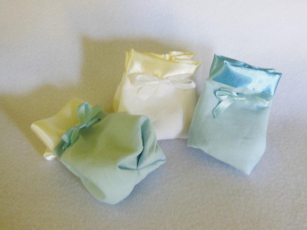 Sacchetto per confetti in cotone e satin