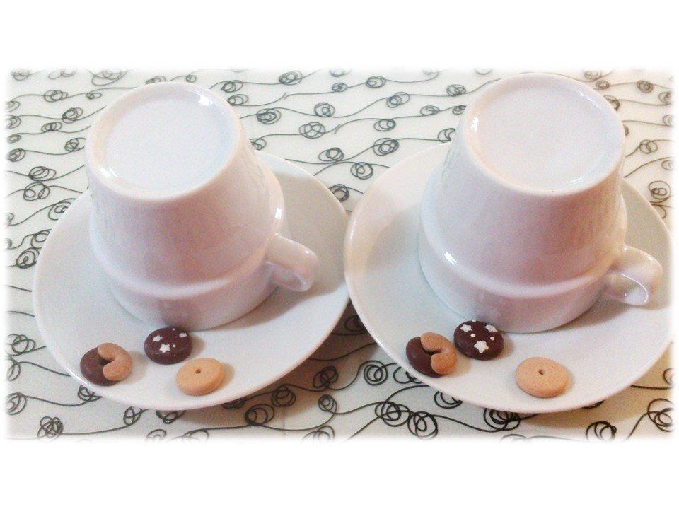 Tazzine da caffè con biscotti (pan di stelle macine abbracci) in fimo