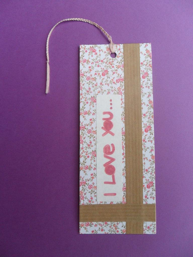 Segnalibro di carta floreale rosa