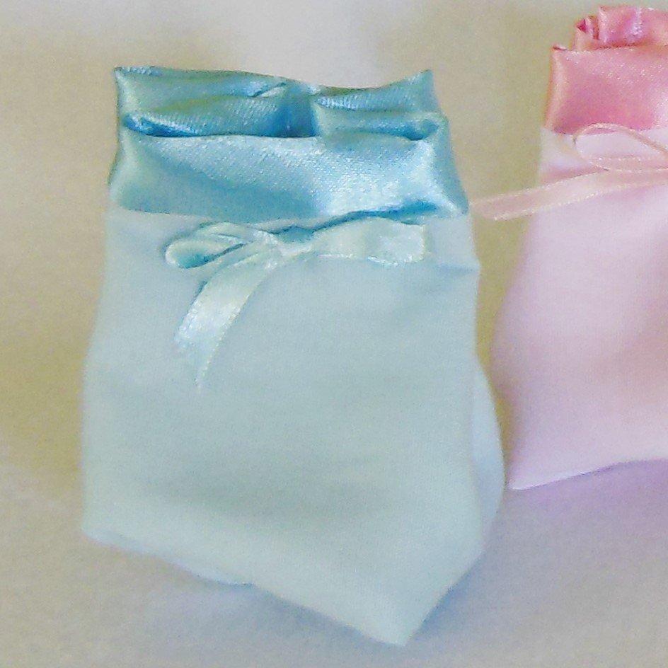 Sacchetto portaconfetti in cotone e satin celeste: per una bomboniera sofisticata ed elegante ma semplice
