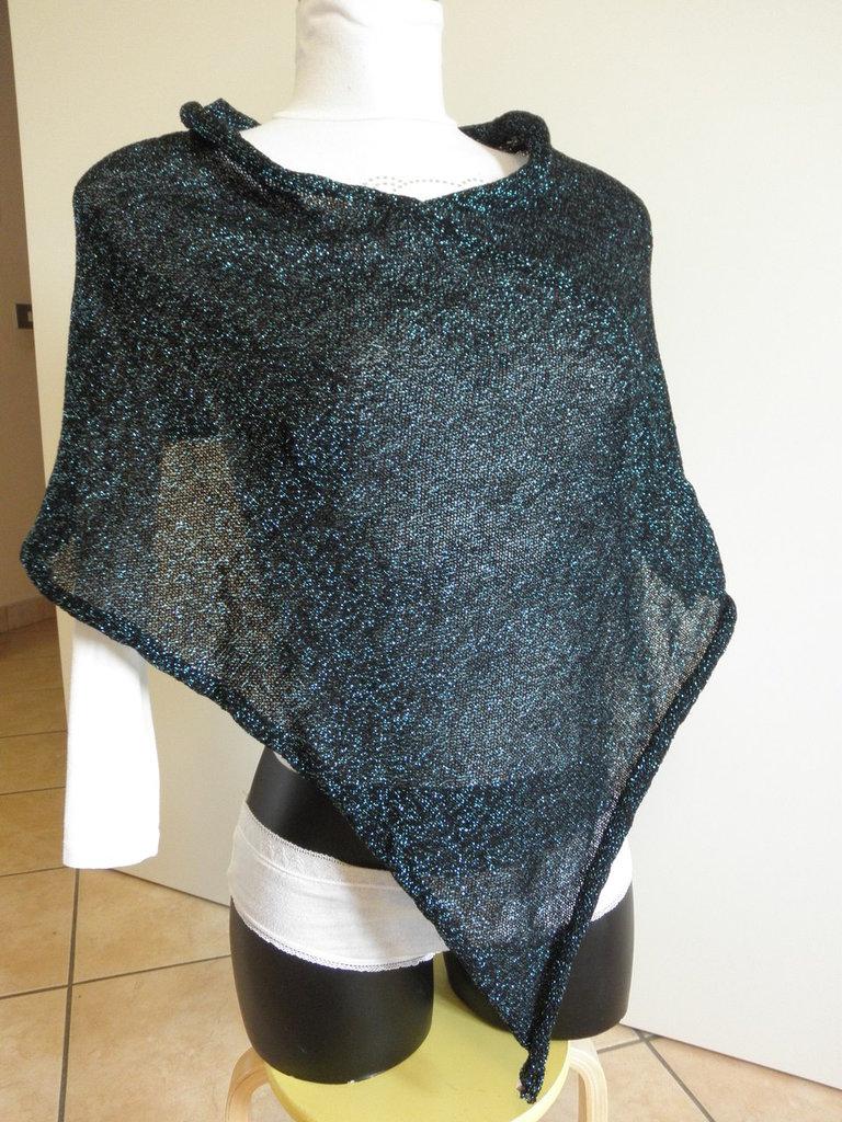 Poncho nero e lurex blu,misto lana,per donna