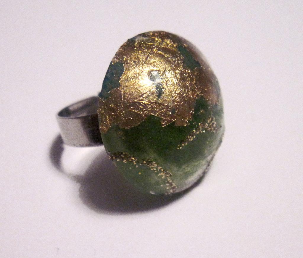 Anello ORO D'INCANTO verde e foglia dorata brillante