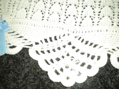 Copertina fatta a ferri/uncinetto in pura lana baby merino 100%