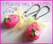 """Orecchini """"Ovetti di Pasqua"""" uova cioccolata fimo cernit kawaii handamade Rosa fiocco giallo"""
