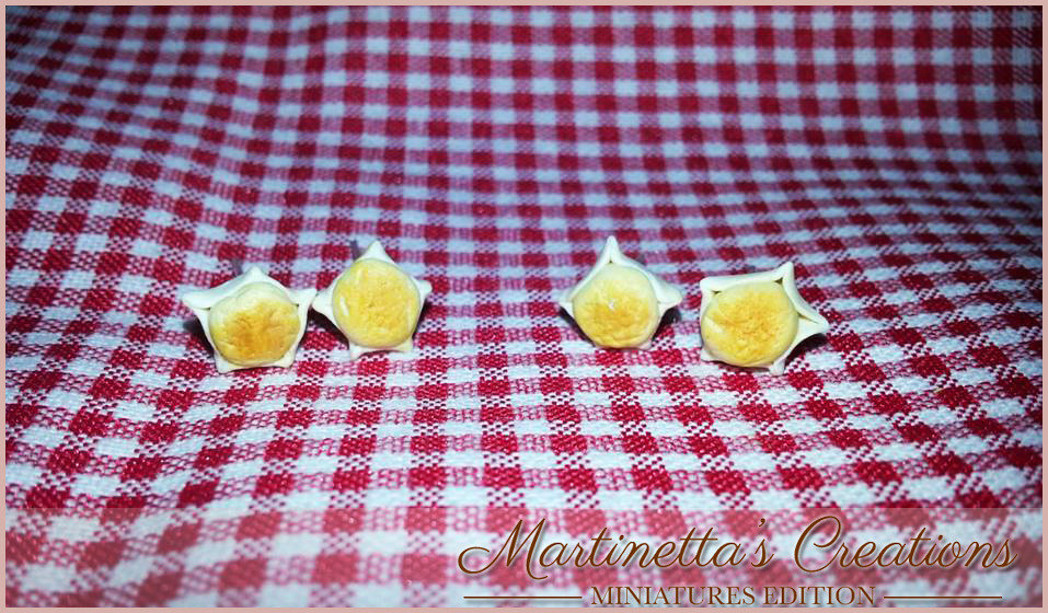 Orecchini a perno  MINI Pardule dolce tipico sardo in fimo da 0.50 cm ca. realizzati totalmente a mano