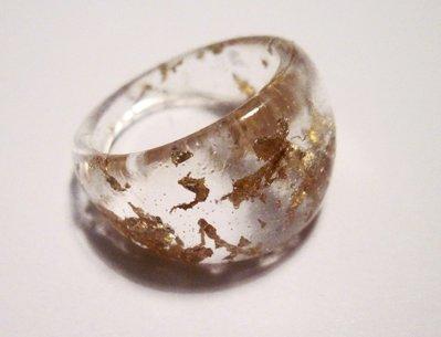 Anello STAINED GOLD trasparente con foglia dorata