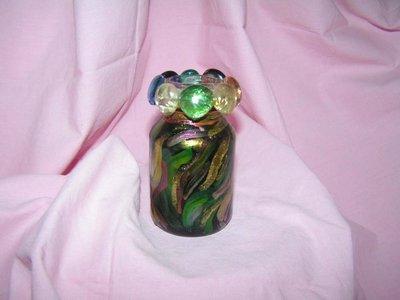 boccetta colorata con perle di vetro