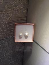 orecchini di perle scaramazze bianche con monachella argento