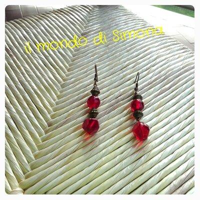 orecchini pendenti rosso carminio e inserti bronzo