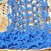Stola azzurro mare a forcella ed uncinetto