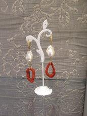 pendenti di perle e corallo realizzati a mano