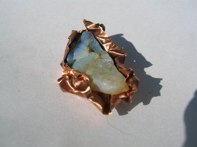 ciondolo Mistery, opale di fuoco e rame, pezzo unico