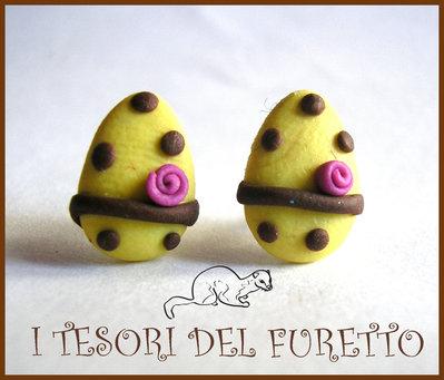 """Orecchini Perno """"Pasqua Ovetti Cioccolato Bianco"""" fimo cernit kawaii bimba 2014"""