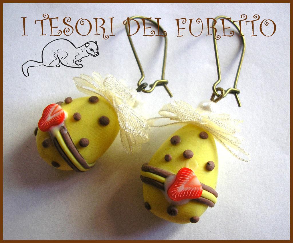 """Orecchini """"Uova Pasqua cioccolato bianco-fragola"""" fimo cernit kawaii bijoux originali"""