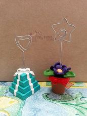Portafoto con scatole regalo Tiffany e vasetto di violette fimo