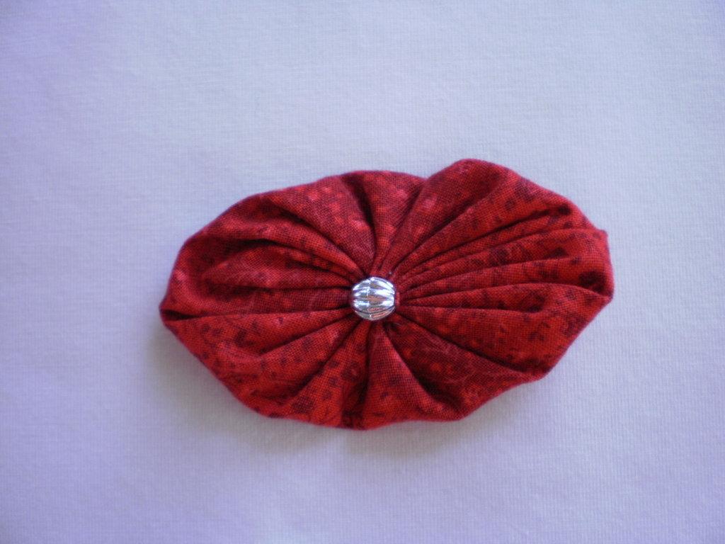 Yo-yo ovale di stoffa color rosso