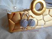Orecchini a pallina all'uncinetto fatti a mano argento e oro