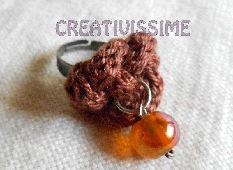 Anello in Triccottin di cotone con pendente fatto a mano