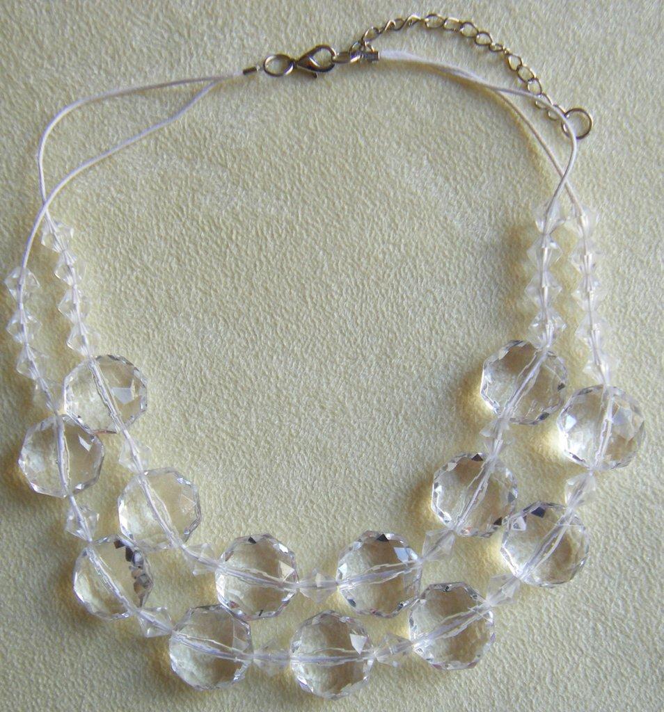 collana  a 2 giri con perline in plastica colore cristall