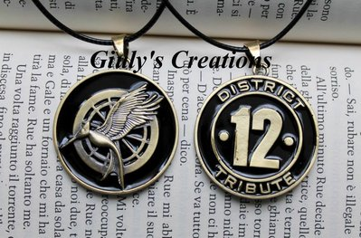 Collana Catching Fire District 12 the hunger games