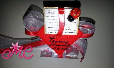 Bombonie Laurea personalizzata con libro della tesi in fimo