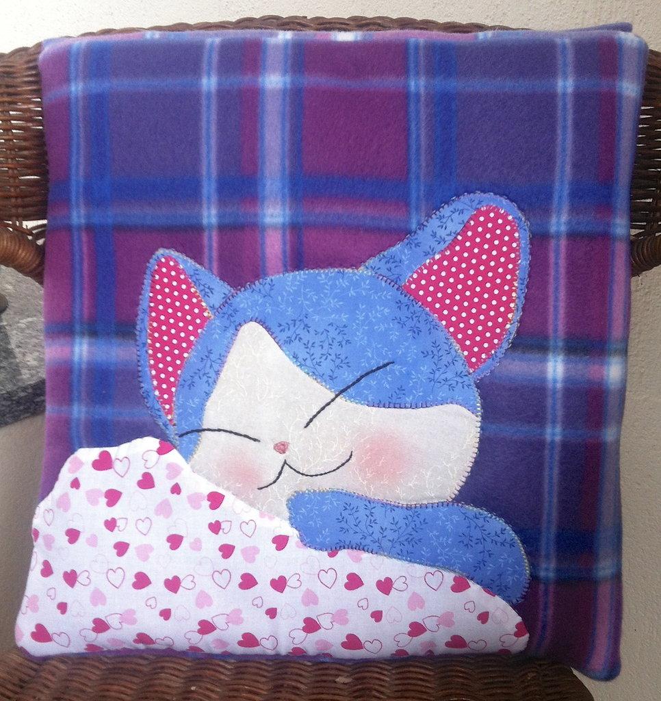 """cuscino quillow """"miao, tanta nanna""""- un cuscino con dentro un plaid"""