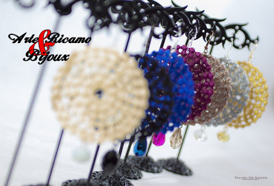 orecchini collezione primavera estate 2014 in pizzo macramè con pendenti by Arte Ricamo & Bijoux