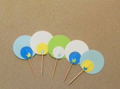 10 Cupcake-Topper personalizzabili: stuzzicadenti 'Nascita' sui toni dell'azzurro diversi tra loro
