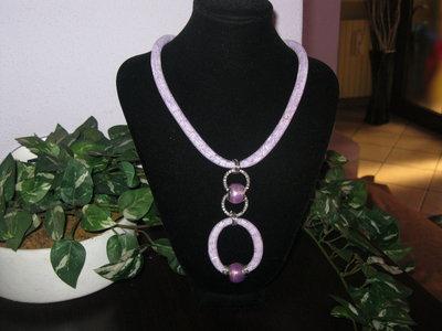 Completo collana e braccialetto con tubolare a rete lilla.