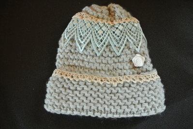 Berretto fatto a mano lavorato a maglia