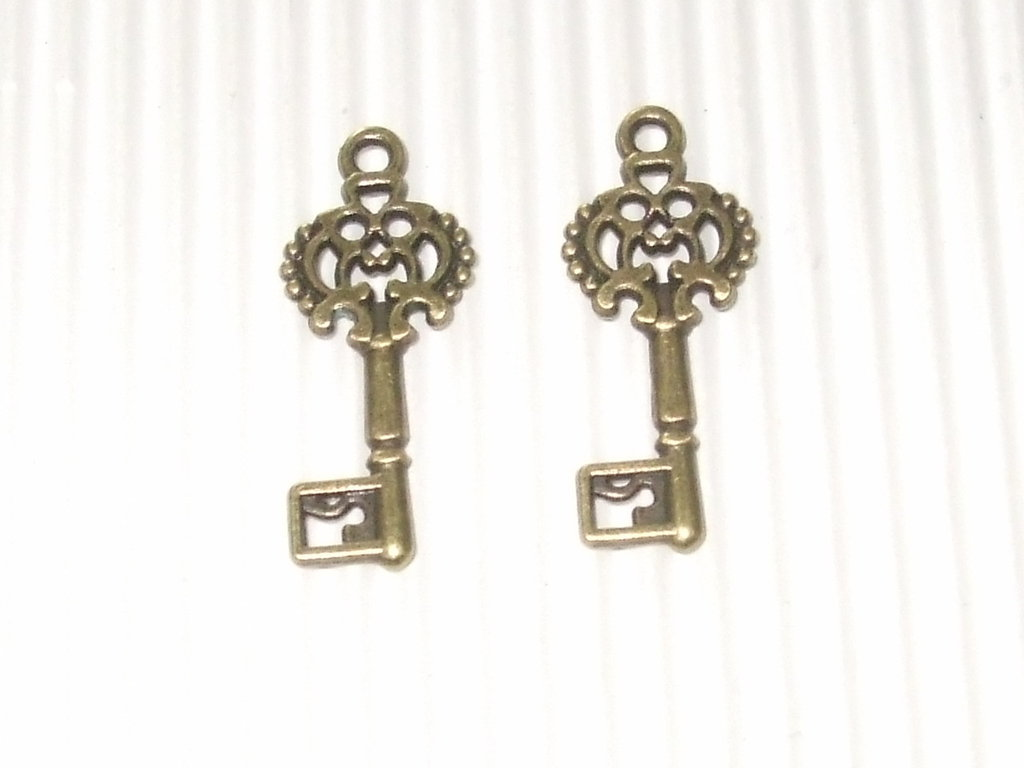 6 charms chiave bronzo 27x12mm