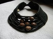 Collana in seta 9 fili e ceramica Raku