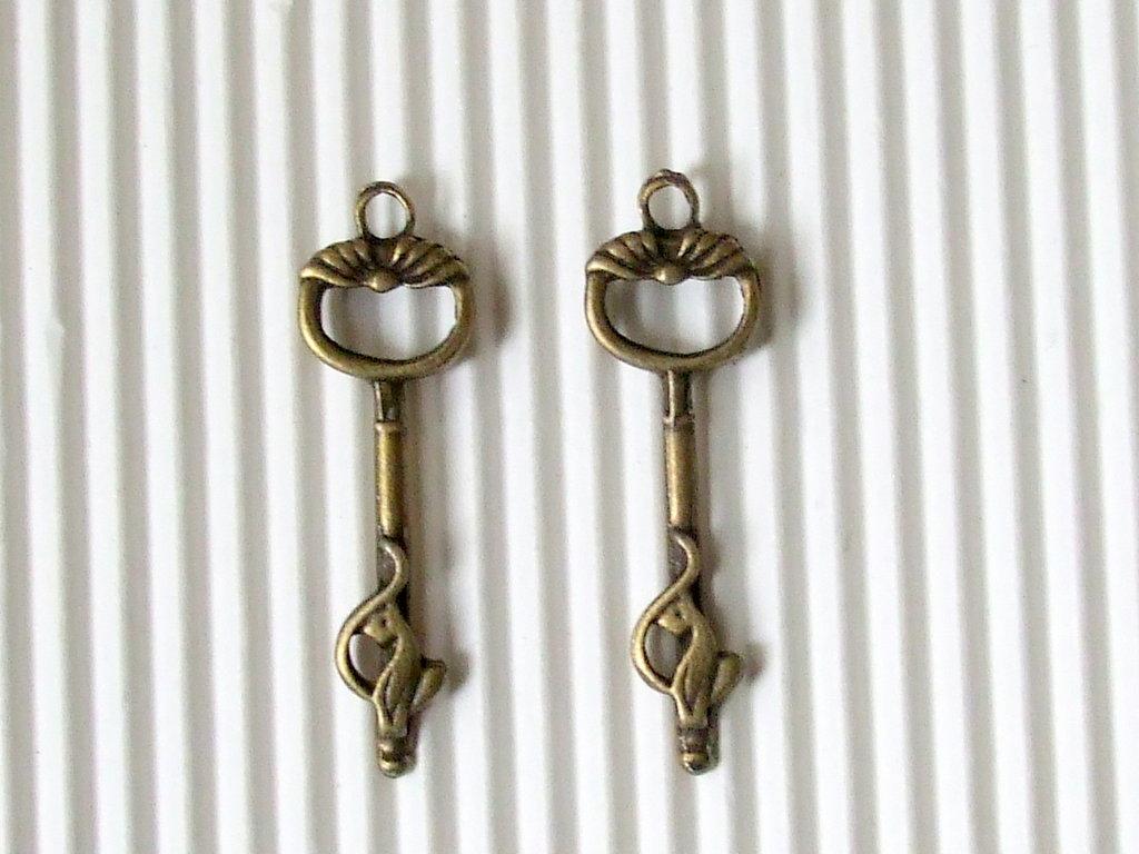 6 charms chiavi delle fate  35x10mm in bronzo