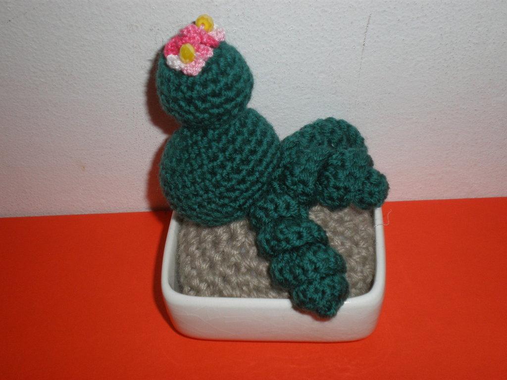 cactus uncinetto amigurumi