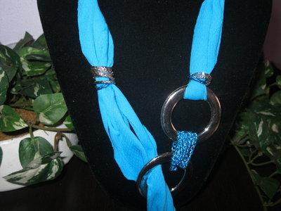 Collana e bracciale  con fettuccia color turchese