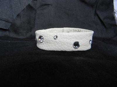 Bracciale una fascia vera pelle e cristalli swarovski